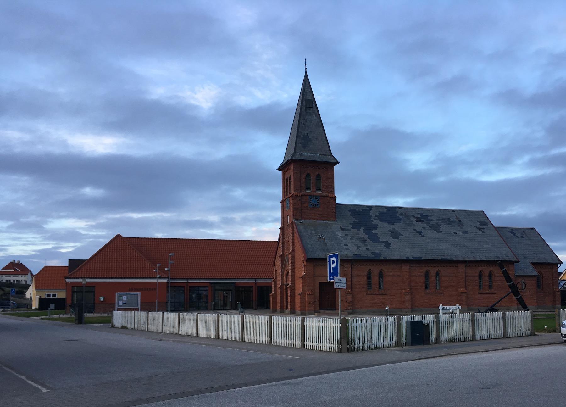 Løkken church