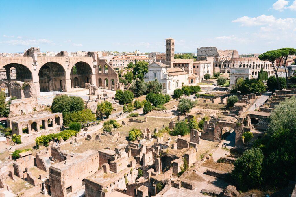 Visit Forum Romanum in Rome