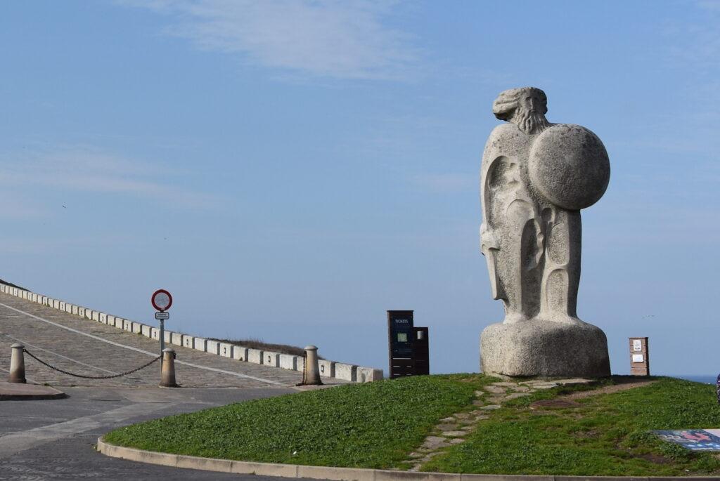 Hercules and statue